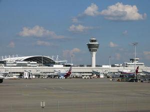 Wikipedia my name Flughafen München Vorfeld_Terminal_1_I